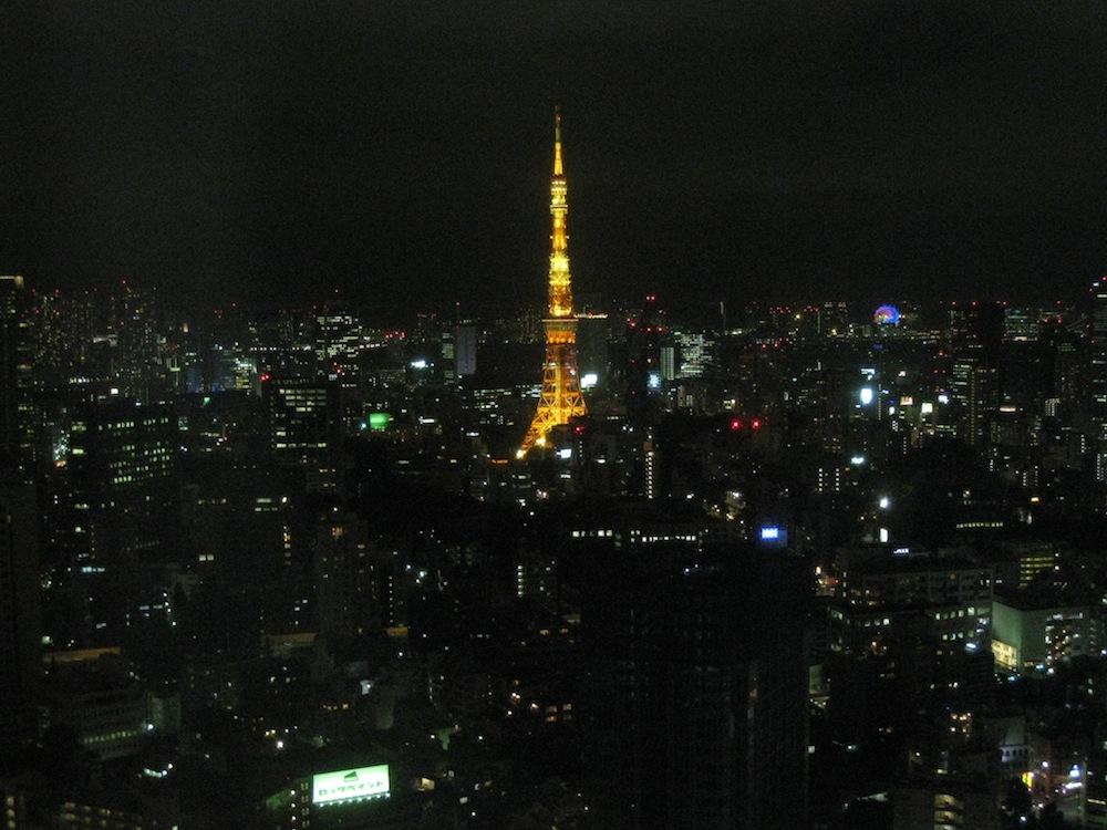 東京ミッドタウン33Fから眺める東京タワー