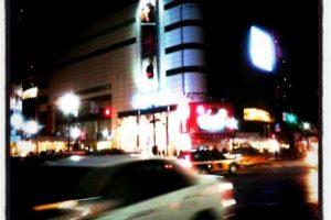 渋谷スクランブル交差点(2011年、東日本大震災の少し後)