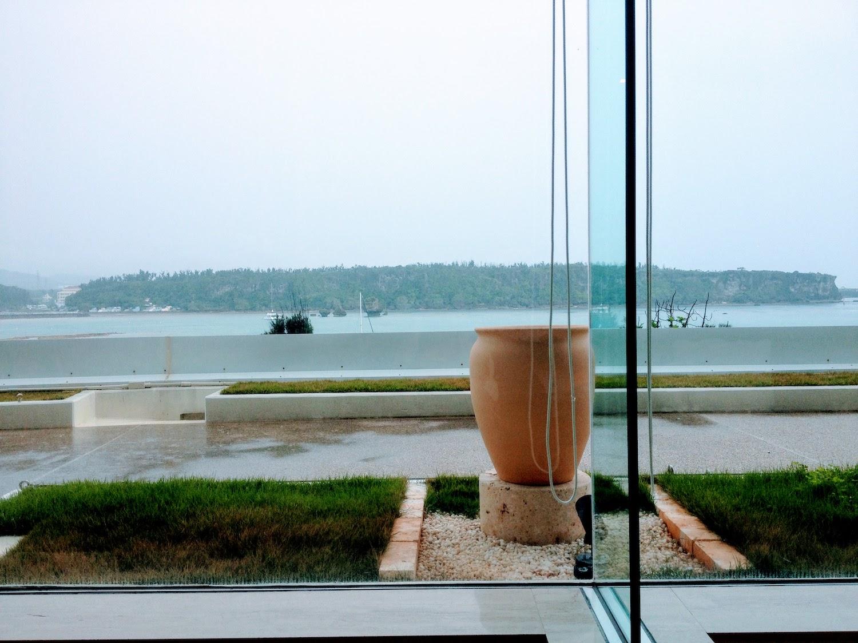 ANAインターコンチネンタル万座ビーチリゾート1Fのレストランからの眺め