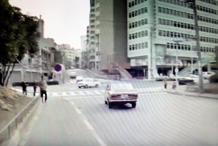 1960年代の渋谷の光景。宮下公園の通りから美竹通りへと続く緩やかな坂道。