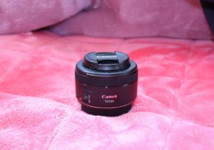 「Canon EF50mm F1.8 STM」を、「Canon 単焦点広角レンズ EF-S24mm F2.8 STM APS-C対応 EF-S2428STM」で撮影したもの by SHUN ONLINE