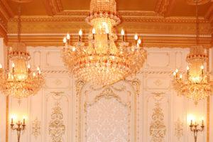 Le Royalのシャンデリア/撮影:SHUN ONLINE