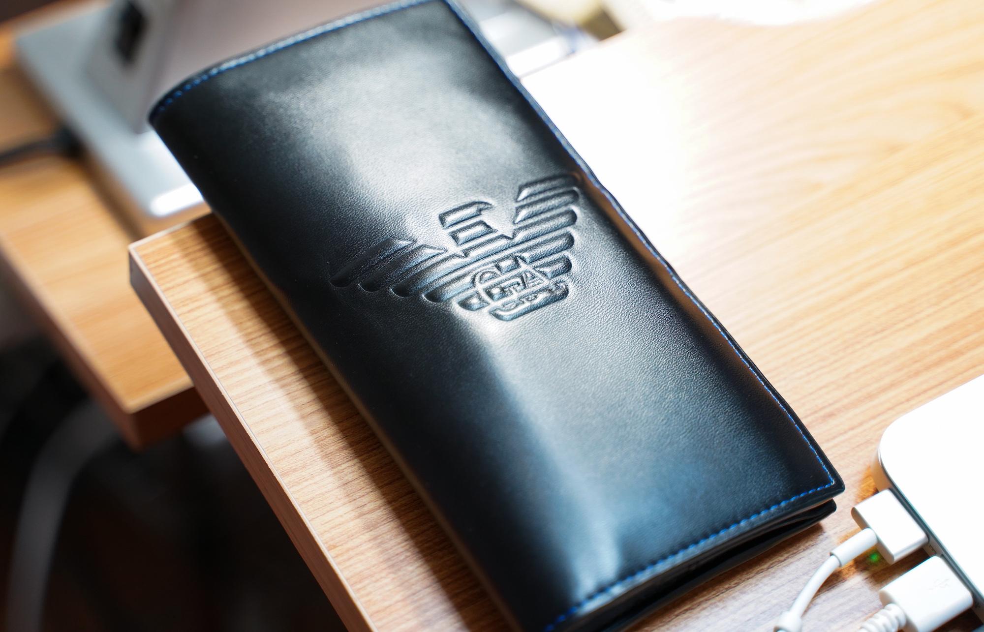 EMPORIO ARMANIの財布/撮影:SHUN ONLINE