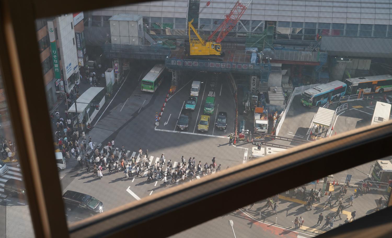 ビックカメラ渋谷東口店のエレベーターから見た下の交差点.2019年11月2日(C)SHUN ONLINE