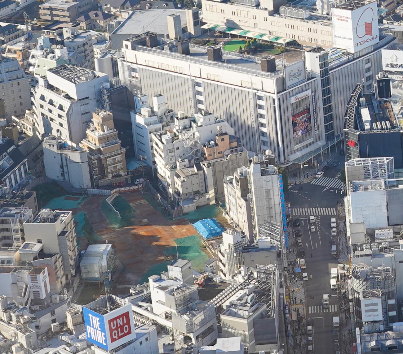 渋谷スクランブルスクエアの屋上「SHIBUYA SKY(渋谷スカイ)」からの眺望。旧ドンキ跡地あたり。/2019年12月29日、撮影:SHUN ONLINE