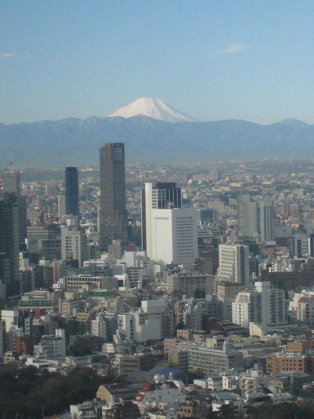 東京ミッドタウンから見える富士山