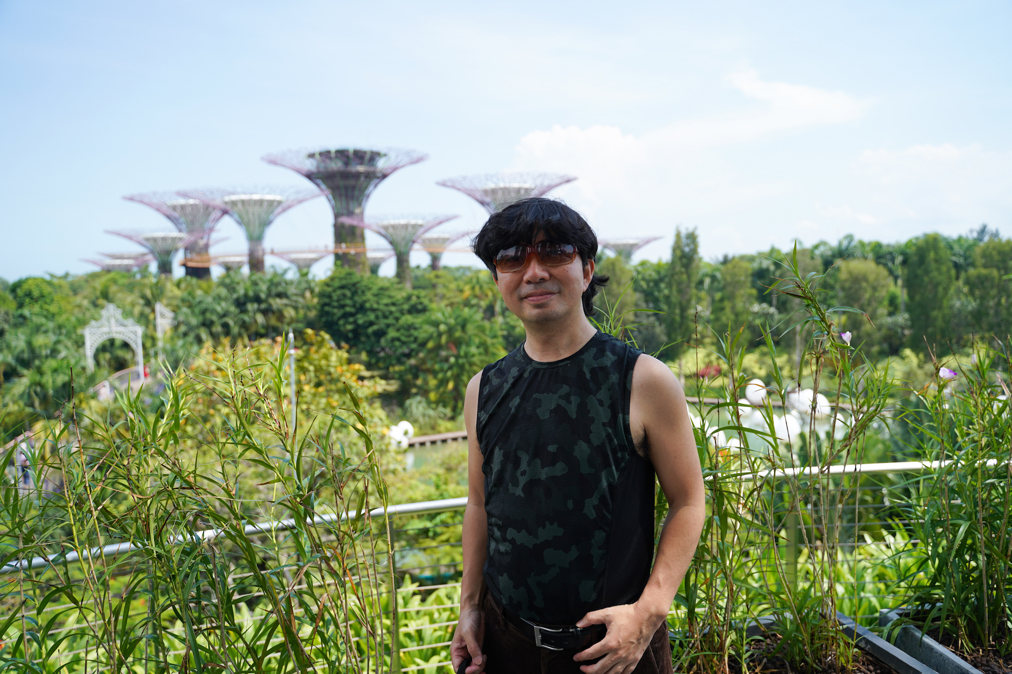 SHUN ONLINE/シンガポールのホテル「マリーナベイ・サンズ」前の植物園にて/2019年12月1日