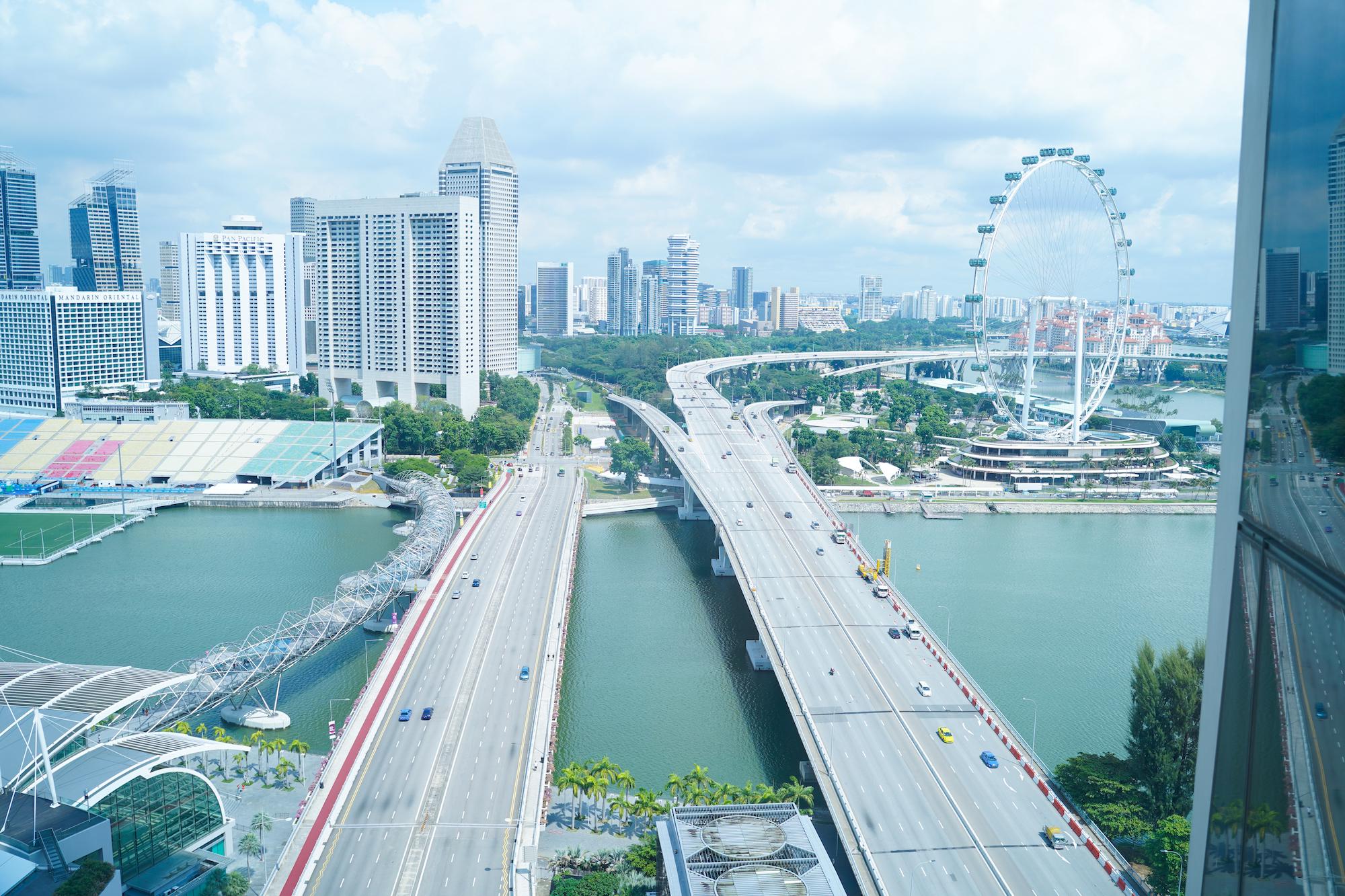 シンガポールのホテル「マリーナベイ・サンズ」から東方面を眺めた光景。/2019年11月30日:撮影:SHUN ONLINE