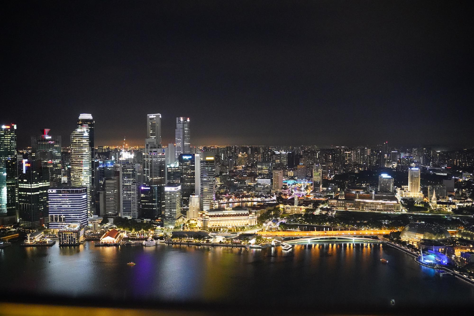 2019年11月30日、シンガポールのマリーナベイ・サンズ屋上のレストラン・CE LA VI(セラヴィ)から眺めた夜景/撮影:SHUN ONLINE