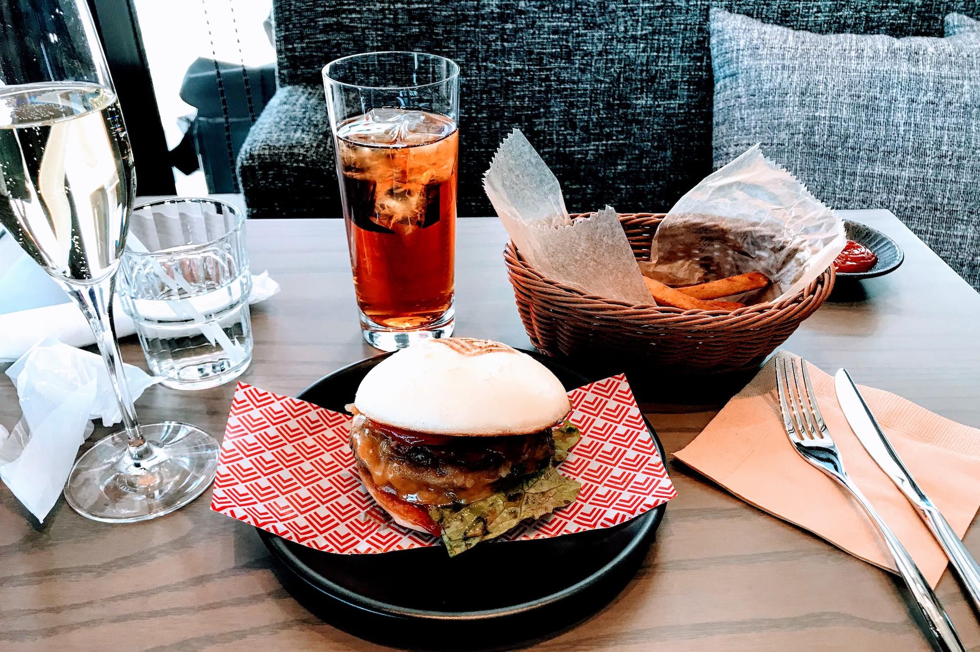 「CÉ LA VI(セラヴィ)」東京のハンバーガー
