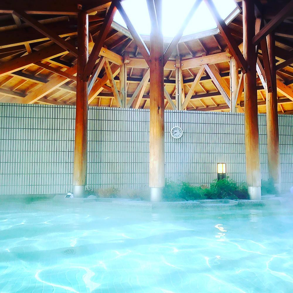 箱根の温泉で朝風呂