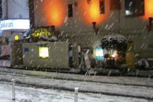 渋谷のホテル街の雪景色
