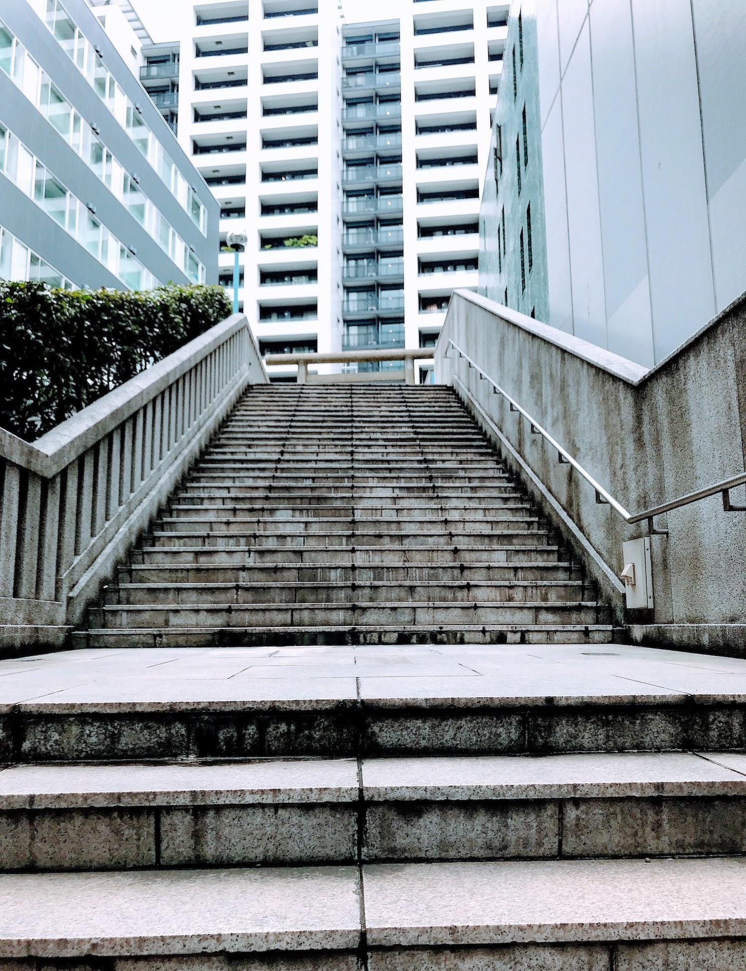 渋谷・御嶽神社の階段