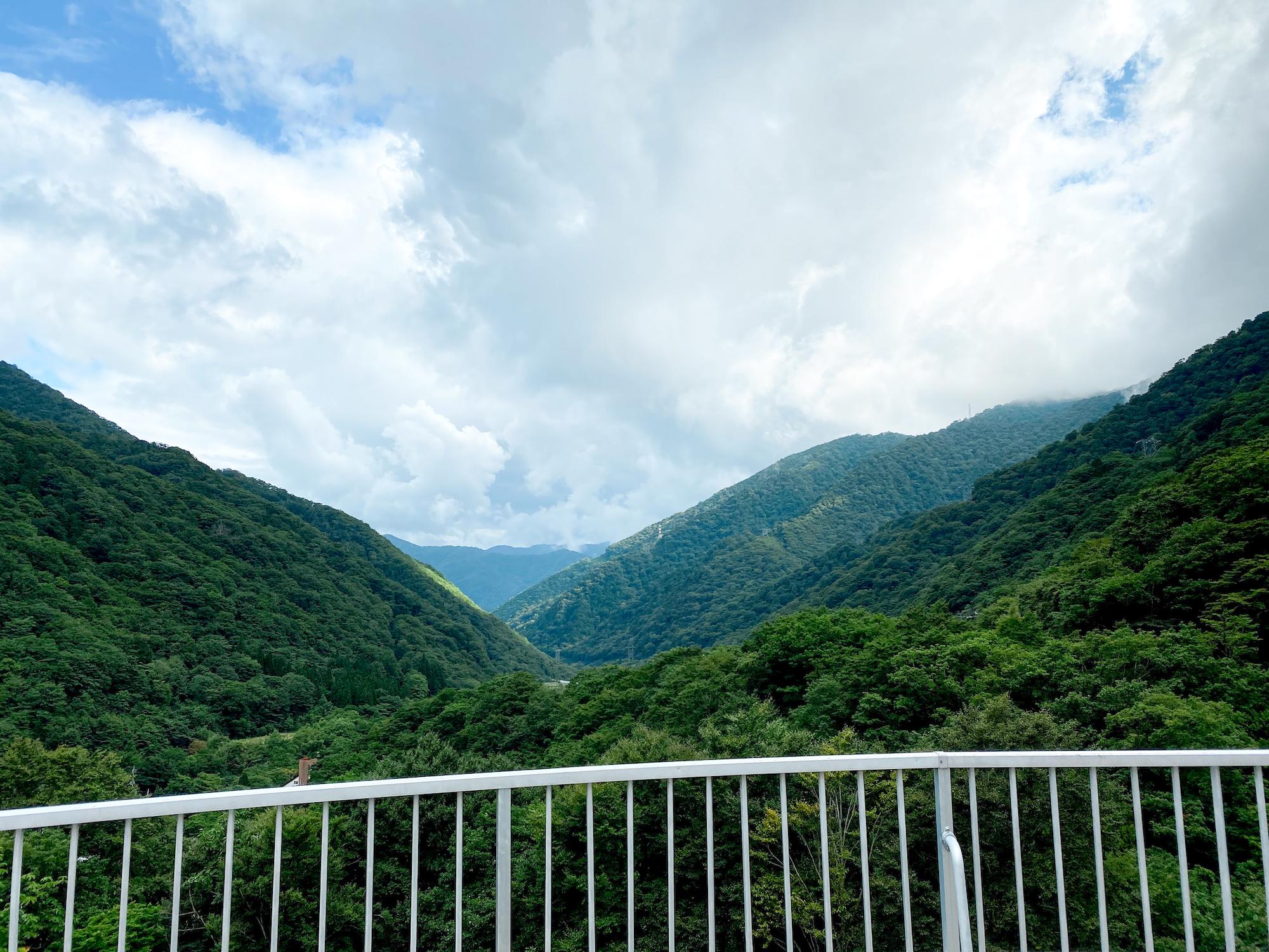 谷川岳ロープウェイ乗り場のレストラン・テラスからの眺望(2020年9月6日/撮影:SHUN)