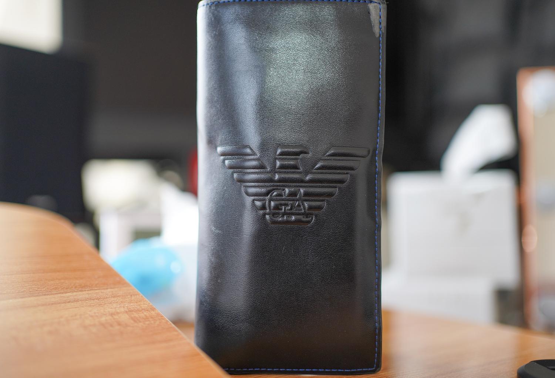 アルマーニの財布