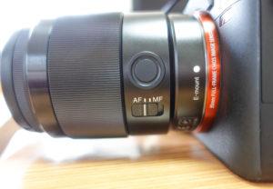 SONY一眼レフレンズ:AF/MF切り替えスイッチ、 フォーカスホールドボタン