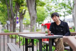 SHUN: 2021年5月2日、前橋市のケヤキ並木にて/SONY α7ⅲ. lens: ZEISS FE 55mm F1.8 35mm/撮影:SHUN