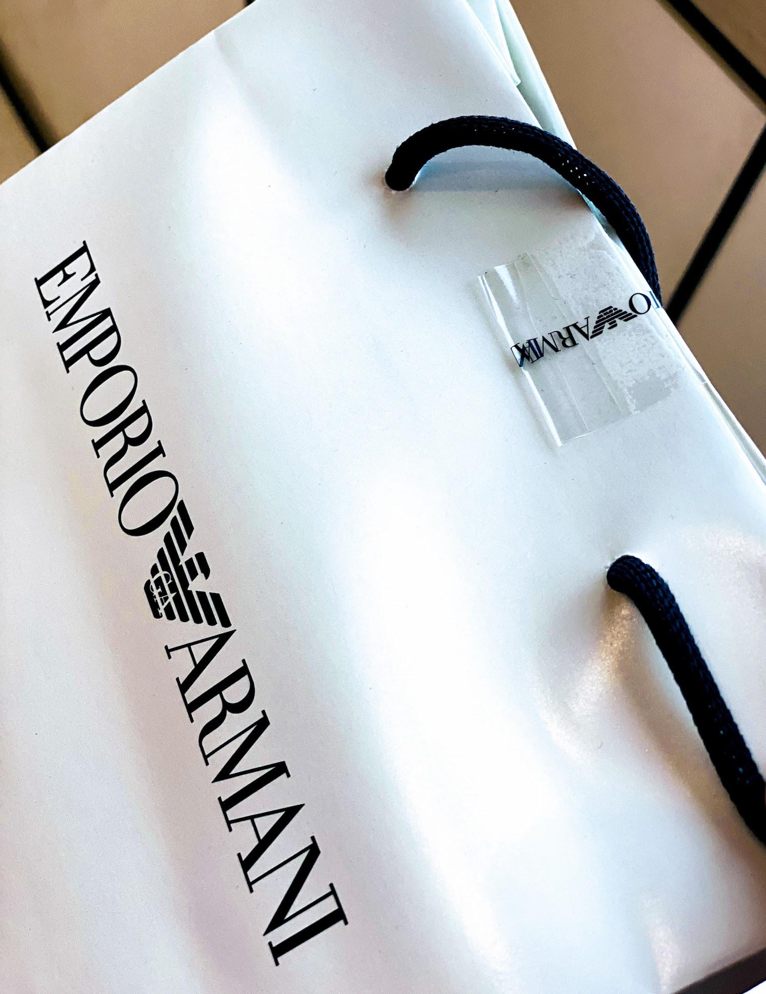 EMPORIO ARMANI(エンポリオ アルマーニ) のバッグのシール貼り