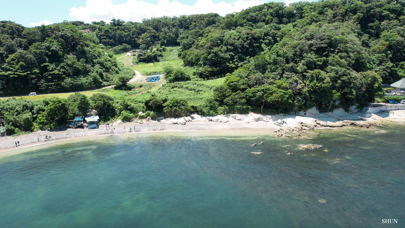 燈明堂海岸にて、DRONE DJI AIR2Sのクイックショット「ドローニー」で撮影(2021.07.17) PHOTO: SHUN