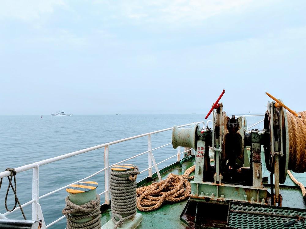 東京湾フェリーから眺める海